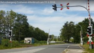 Bahnübergang Cuxhaven-Altenbruch am 22.5.2018 [ Video ]