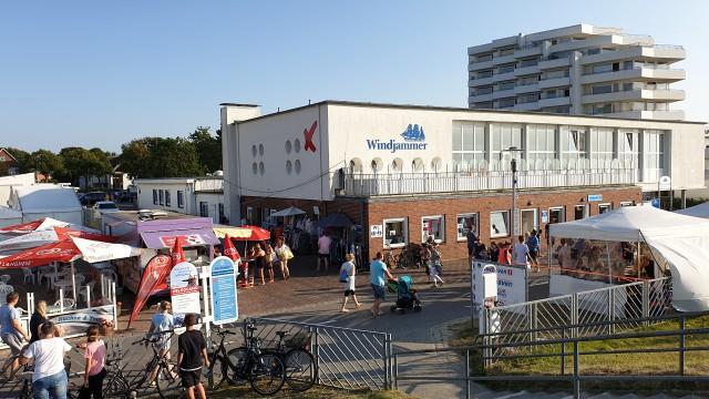 Duhner Kuenstler Promenadenfest 12 - Duhner Straßenfest - Promenadenfest Duhnen 2019 [ Bilder ]