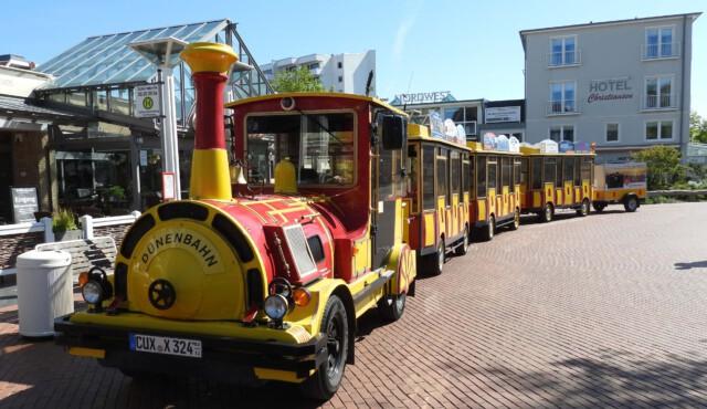 CUXLINER Duenenbahn zwischen Sahlenburg und Duhnen - Stadtrundfahrt Cuxhaven mit dem Cuxliner Cuxhaven