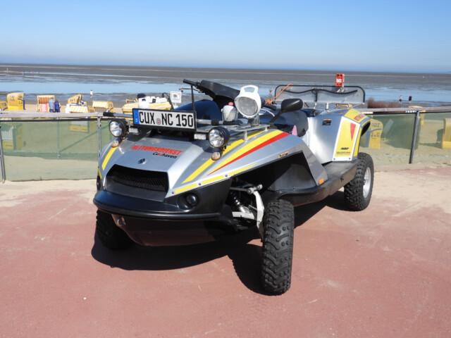 Rettungsdienst Cuxhaven 2 - Ranger Alpha vor der Kurverwaltung Cuxhaven-Duhnen