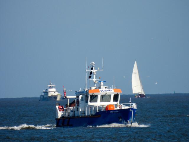 Schiffe gucken in Cuxhaven Altenbruch 11 - Cuxhaven Schiffe gucken in Cuxhaven-Altenbruch [ Bilder ]