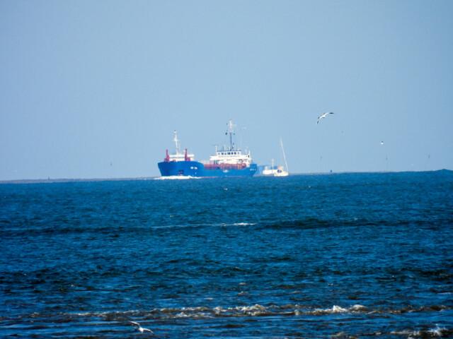 Schiffe gucken in Cuxhaven Altenbruch 8 - Cuxhaven Schiffe gucken in Cuxhaven-Altenbruch [ Bilder ]