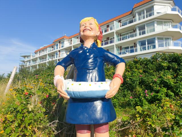Kaethe die Enkelin von Kuddel - Herbst am Strand in Cuxhaven Duhnen an der Duhner Spitze
