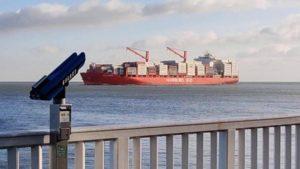 Shipspotting Cuxhaven an der Alte Liebe am Weltschifffahrtsweg