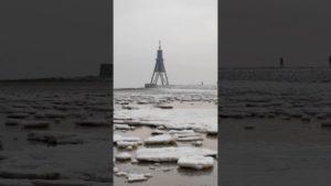 Eisschollen Nordsee – Ein Meer von Eisschollen vor der Kugelbake