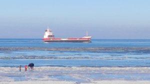 Ship spotting Germany River Elbe / frozen North Sea Elbmündung und Kugelbake | Cuxhaven